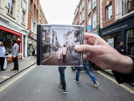 Как фанаты пытаются копировать фото с альбома Oasis — What's The Story (Morning Glory)